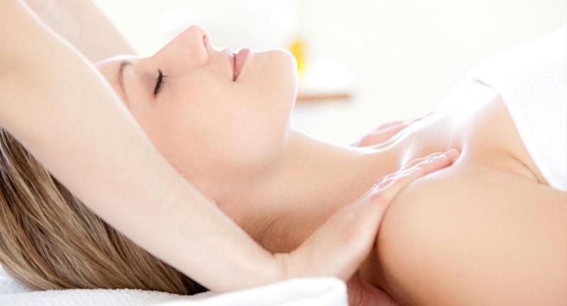 Massage giúp cải thiện kích cỡ và tăng độ săn chắc của vòng 1