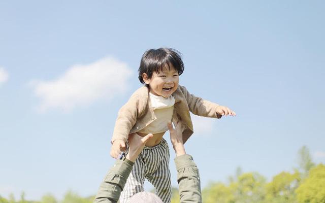 Trải nghiệm thiên nhiên giúp tăng khả năng tư duy ở trẻ.