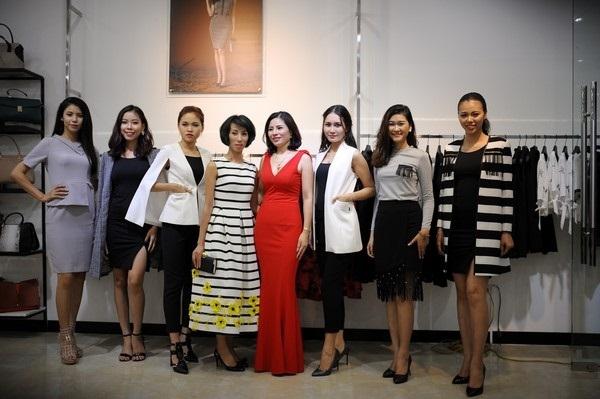 Khách hàng hài lòng khi chọn mua sản phẩm tại Bella moda Vinh
