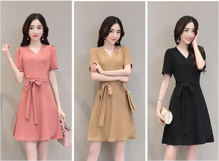 Váy công sở phong cách Hàn Quốc màu sắc trang nhã.