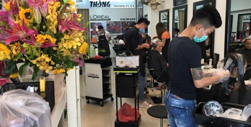 Dịch vụ cắt tóc chuyên nghiệp, giữ form lâu