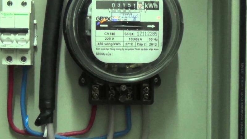 Xem xét kĩ đồng hồ điện nước