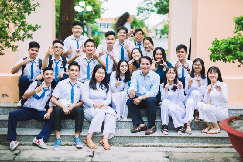 THPT Nguyễn Đình Chiểu là một trong những ngôi trường trung học phổ thông lâu đời nhất của Việt Nam