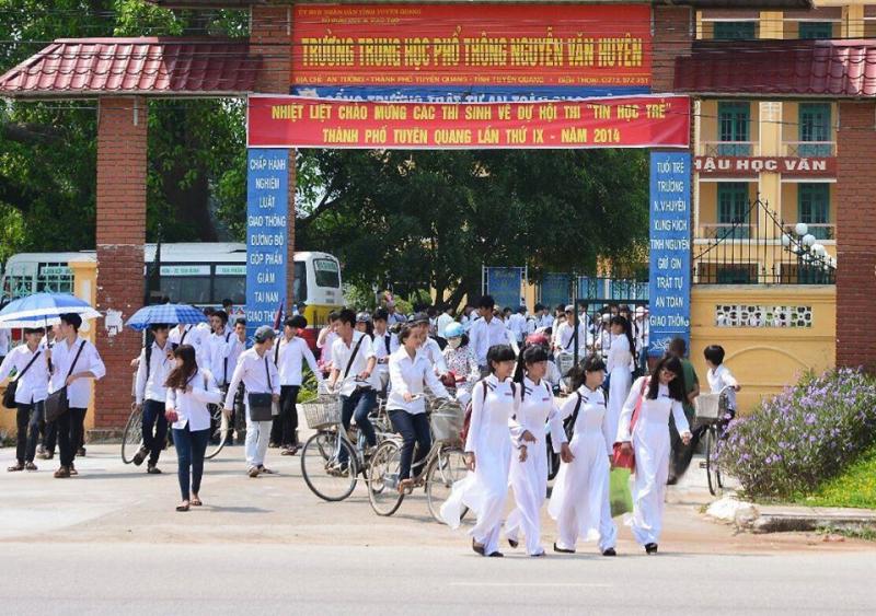 Trường THPT Nguyễn Văn Huyên
