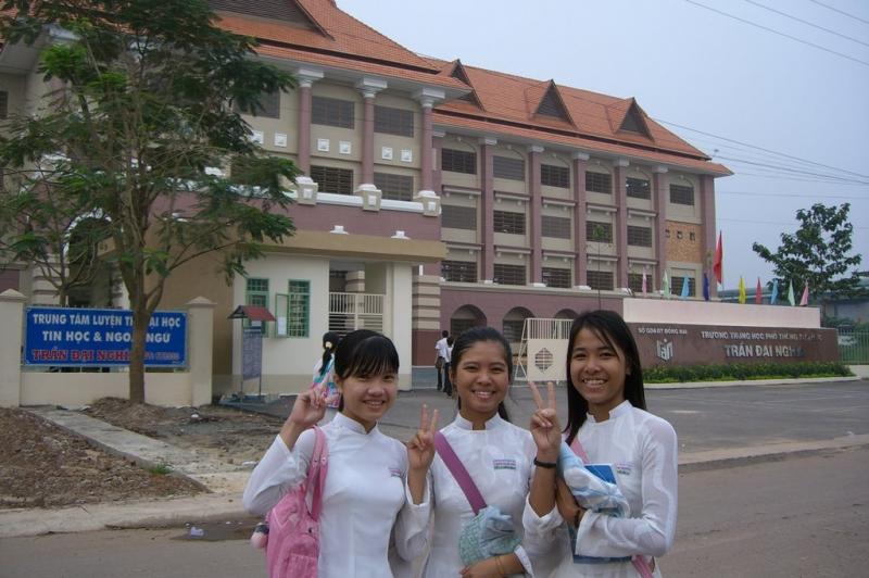 Học sinh trường THPT Đại Nghĩa