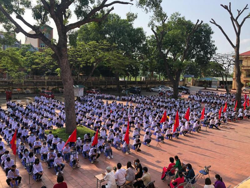 Trường THPT Văn Giang