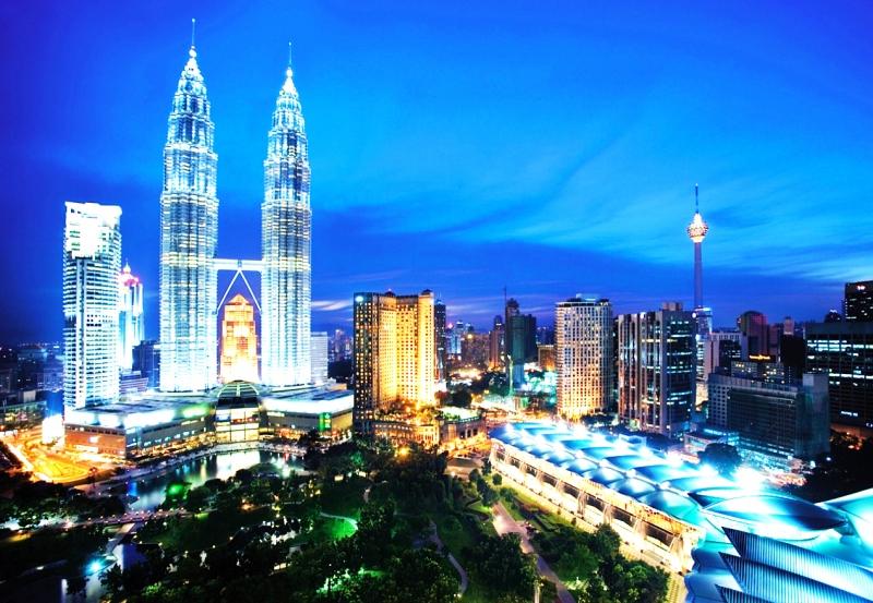 Thủ đô Kuala Lumpur rực rỡ về đêm
