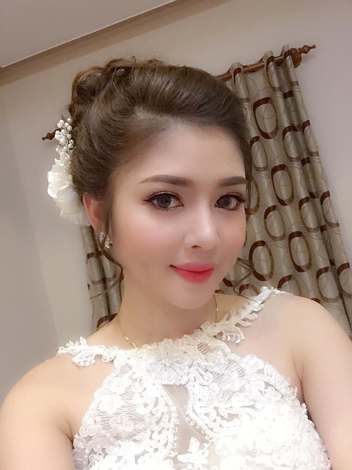 Thư Rosie Make Up Store