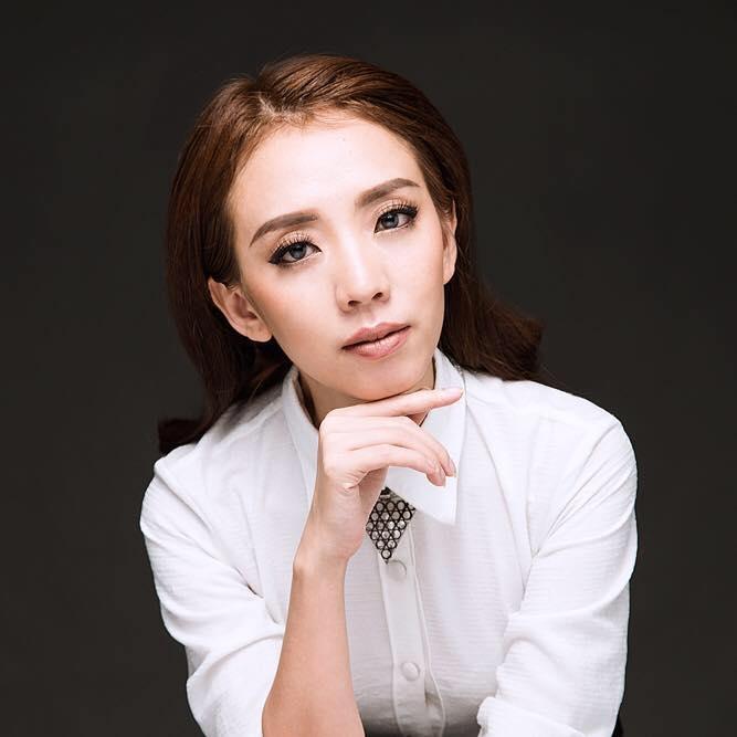 Nghệ sĩ Thu Trang