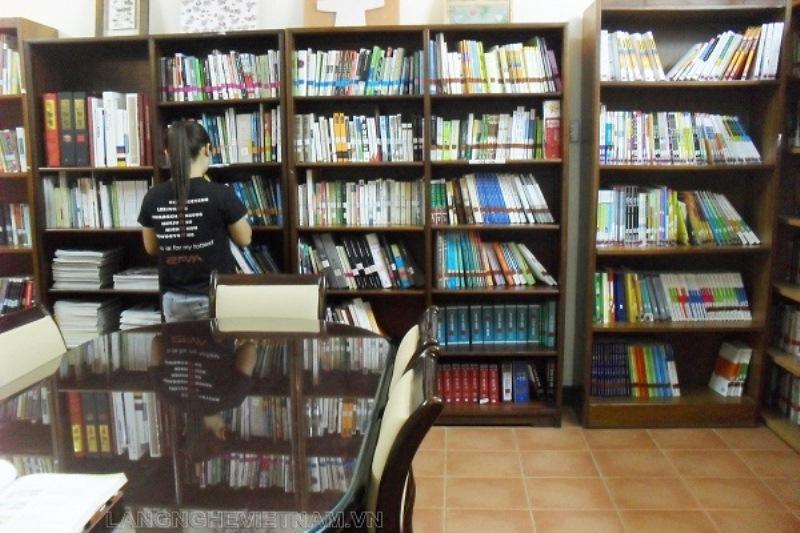 Không gian gần gũi, ấm cúng tại thư viện trung tâm văn hóa Hàn Quốc