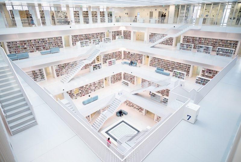 Được đầu tư hơn 100 triệu đô la Mỹ, thư viện thành phố Stuttgart của Đức thật đáng 1 lần đặt chân đến.