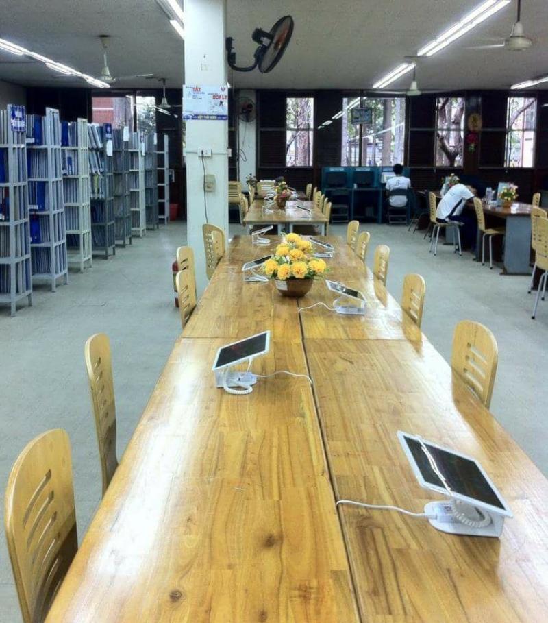 Không gian học tập tại thư viện Đại học Sư phạm Kỹ thuật TP. Hồ Chí Minh