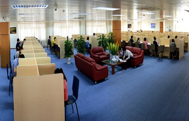 Phòng đọc thư viện trường Đại Học Thăng Long