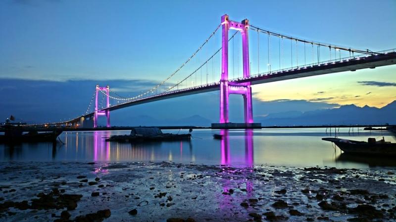 Cầu treo Thuận Phước vô cùng xinh đẹp và hùng vĩ