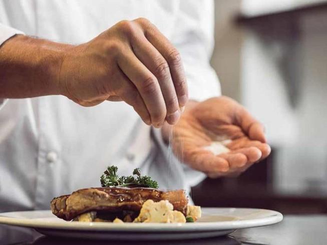 Tiêu thụ một chế độ ăn muối cao sẽ gây ra các chứng bệnh dạ dày cho bạn