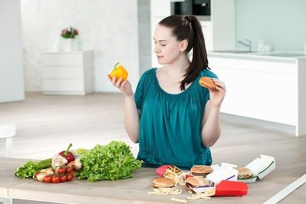 Chế độ dinh dưỡng chính là mối liên hệ mất thiết giữa sức khoẻ và làn da của bạn.