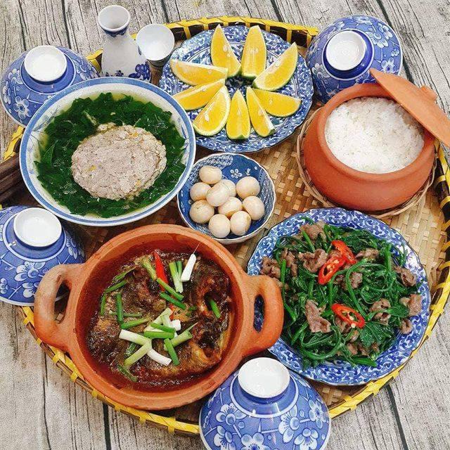 Mâm cơm có sử dụng các thực phẩm nhà Top Green.