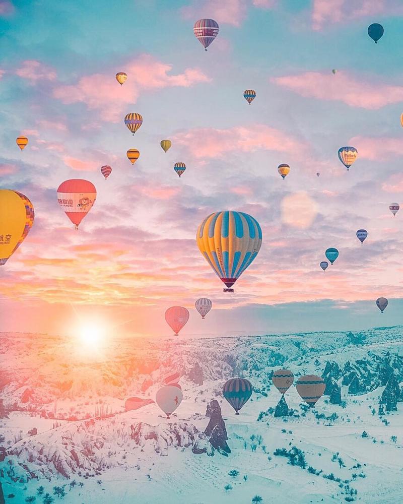 Ngắm thung lũng Cappadocia từ trên khinh khí cầu