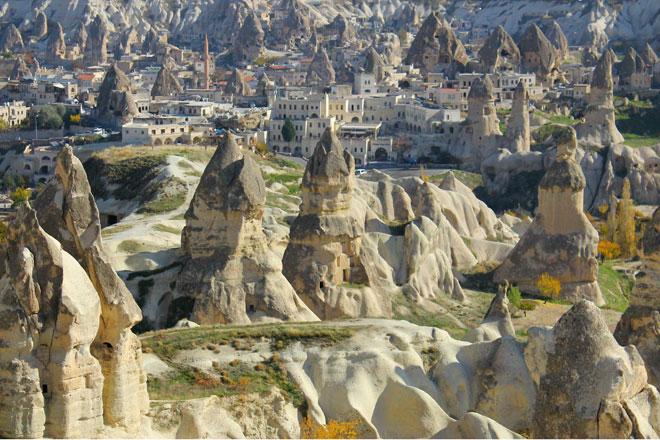 Thung lũng đá Cappadocia (Thổ Nhĩ Kỳ)