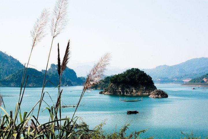Thung Nai là một điểm đến tuyệt vời, nó được ví như