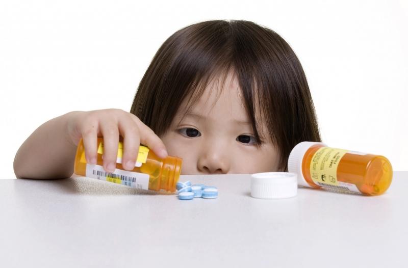 Chuẩn bị thuốc bổ cho bé