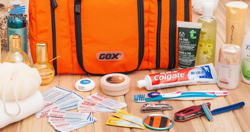 Thuốc men, dụng cụ y tế đi du lịch biển