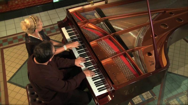 Kết cấu đặc sắc của đàn Piano hãng Stuart and Sons.