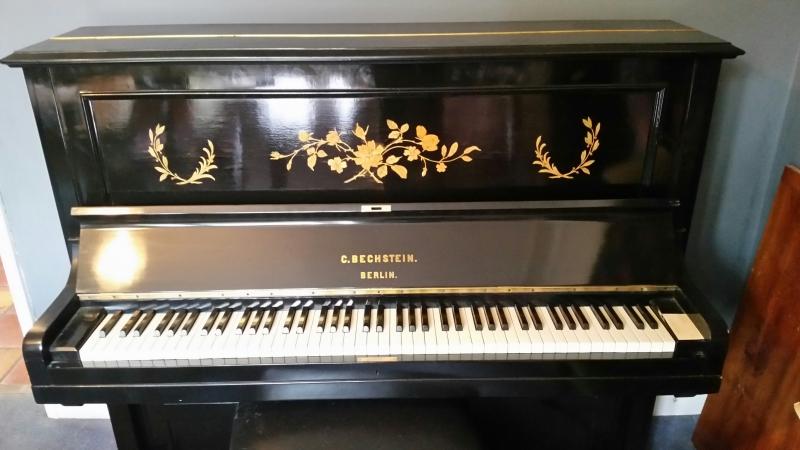 Thương hiệu đàn Piano Bechstein thời thượng.