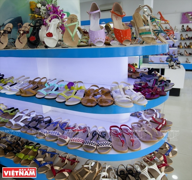 Top 8 Thương hiệu giày dép được yêu thích nhất ở Việt Nam