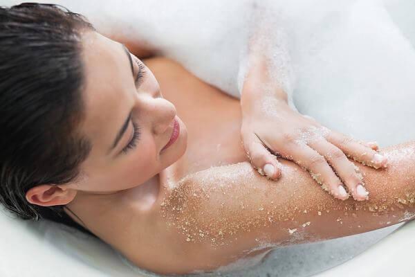 Top 10 thương hiệu muối tắm được tin dùng nhất hiện nay