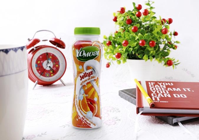 Sữa chua uống Yomost hương cam