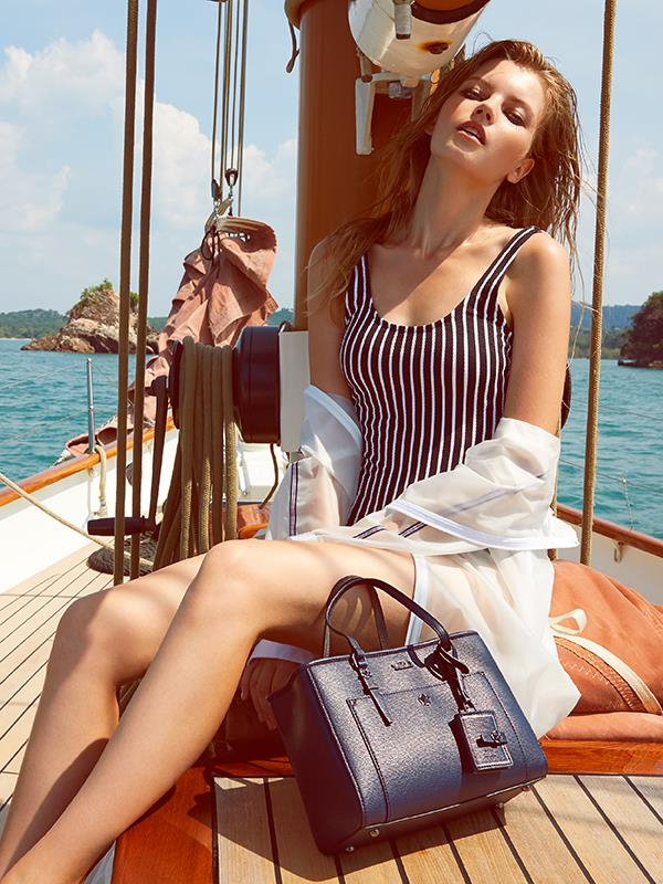 Top 9 thương hiệu túi xách hàng hiệu đáng mua nhất dưới hai triệu đồng