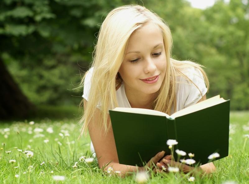 Đọc sách giúp rèn luyện trí não - Nguồn: Internet