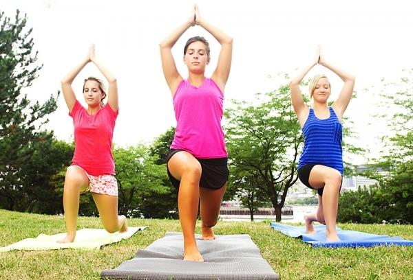 Tham gia các môn thể thao giúp tăng cường sinh lý và khiến phụ nữ yêu đời và xinh đẹp.