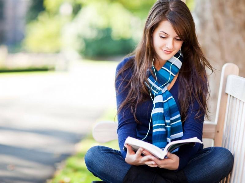 Đam mê đọc sách