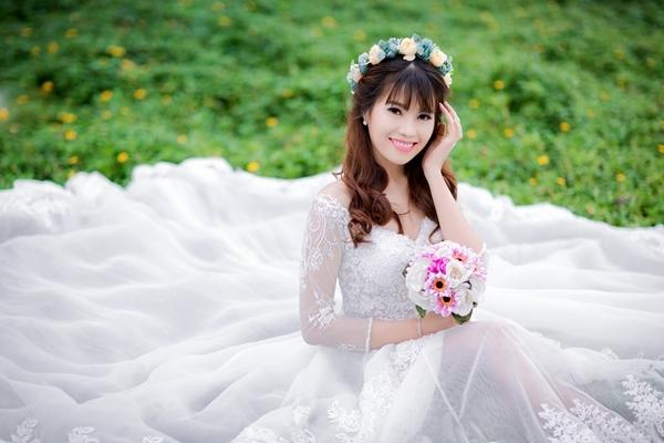 Thu Trang Makeup với phong cách trang điểm nhẹ nhàng, nữ tính