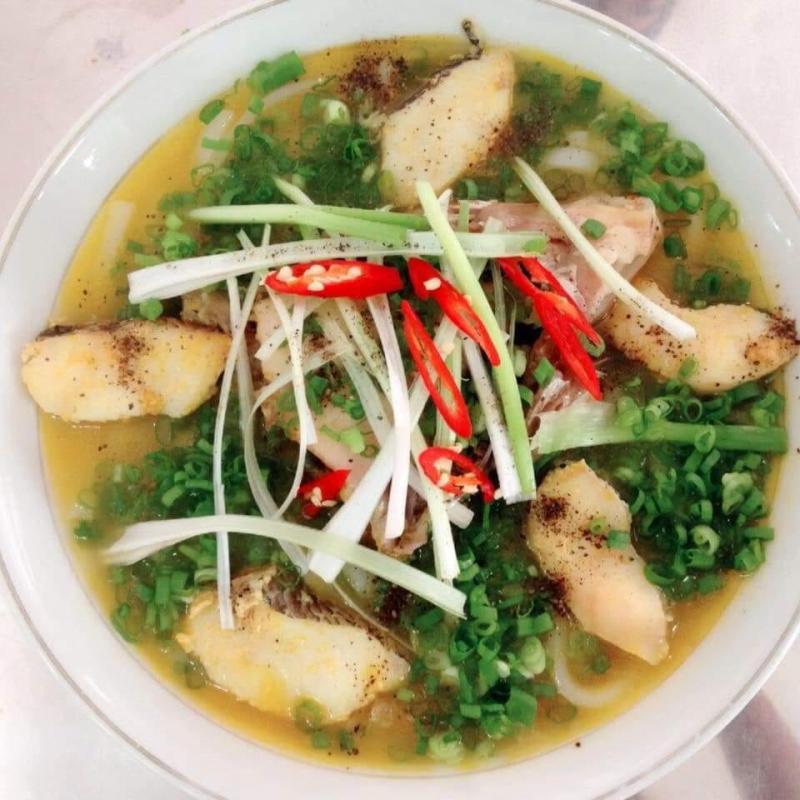 Thủy - Bánh Canh Cá Lóc Huế