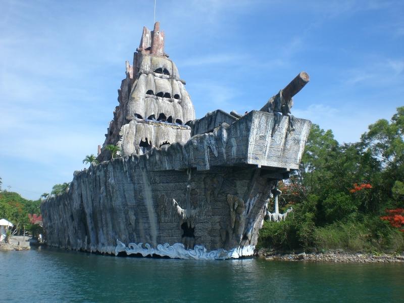 Kiến trúc hình chiếc thuyền rất độc đáo của thủy cung Trí Nguyên