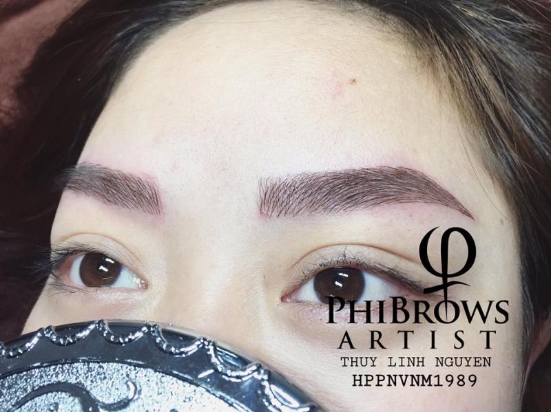 Thuỳ Linh Nguyễn Artist Eyebrow