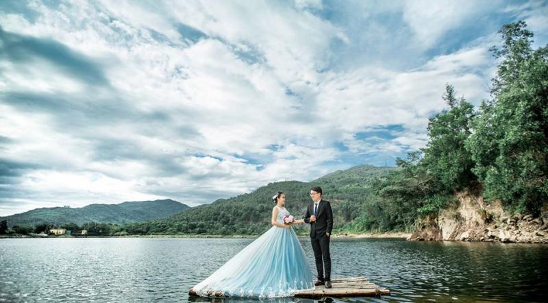 Thùy Trâm Wedding chiếm trọn được niềm tin của rất nhiều khách hàng tại Đà Nẵng và các tỉnh thành lân cận với dịch vụ chụp ảnh cưới