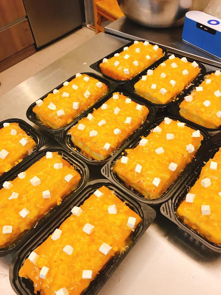 Mỗi chiếc bánh tại tiệm bánh 365 đều được trang trí và đóng hộp rất đẹp mắt