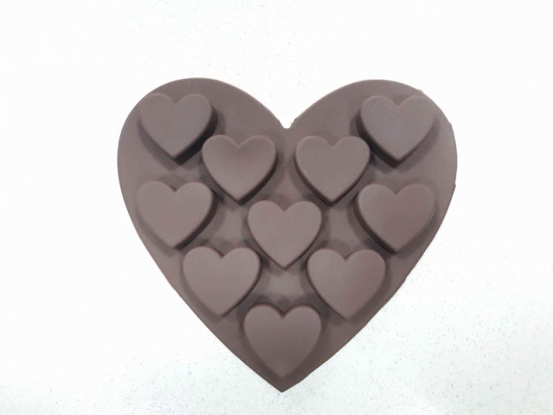 Khuôn đổ sô cô la để bạn có thể tự tay làm