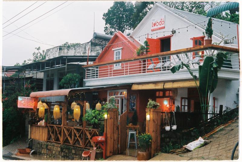 Tiệm cà phê Táo Đỏ là tiệm Cà Phê Trứng đầu tiên tại Đà Lạt được pha từ những hạt cà phê organic đến từ Montagnards Home Farm