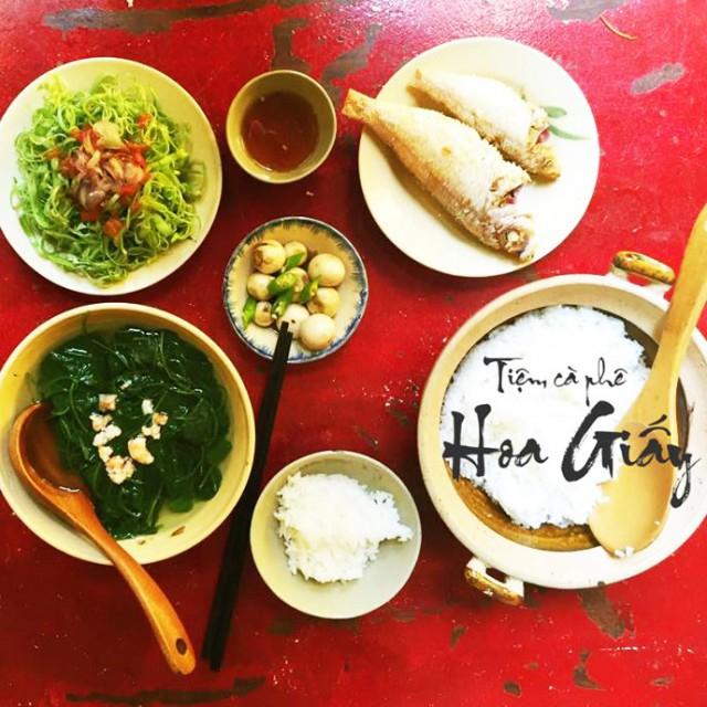 Tiệm Cơm Cafe Hoa Giấy – Huỳnh Tịnh Của