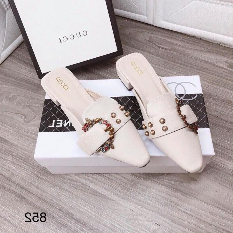 Tiệm Giày Của Nàng