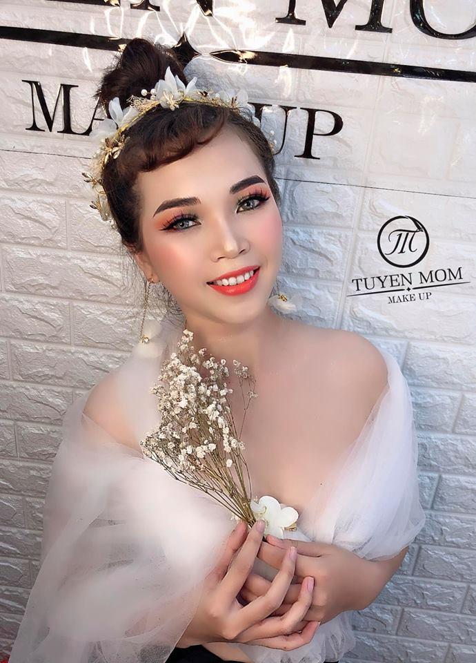 Tiệm Makeup Tuyền Móm