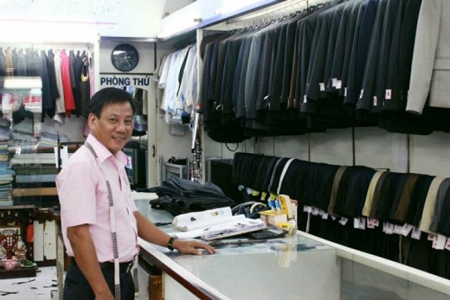 Ông chủ của tiệm may