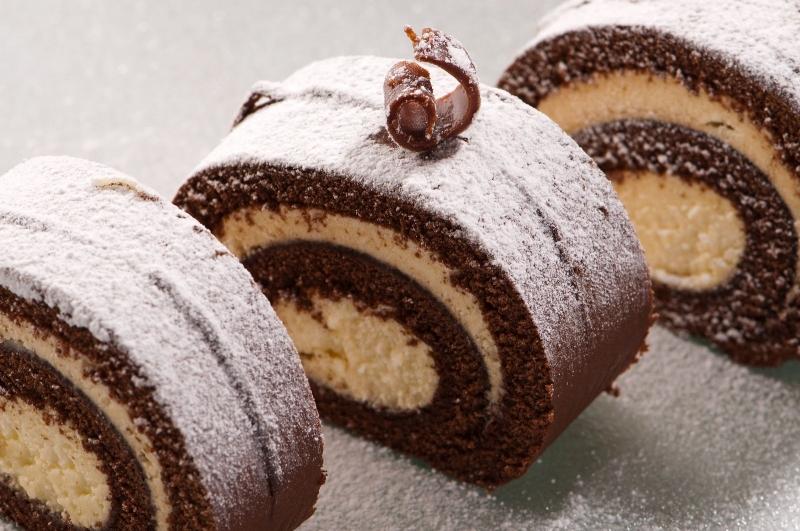 Bánh tại Paris Gâteaux được làm từ các nguyên liệu ngoại nhập và sản xuất trên dây truyền hiện đại