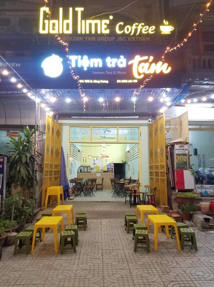Tiệm trà Tám