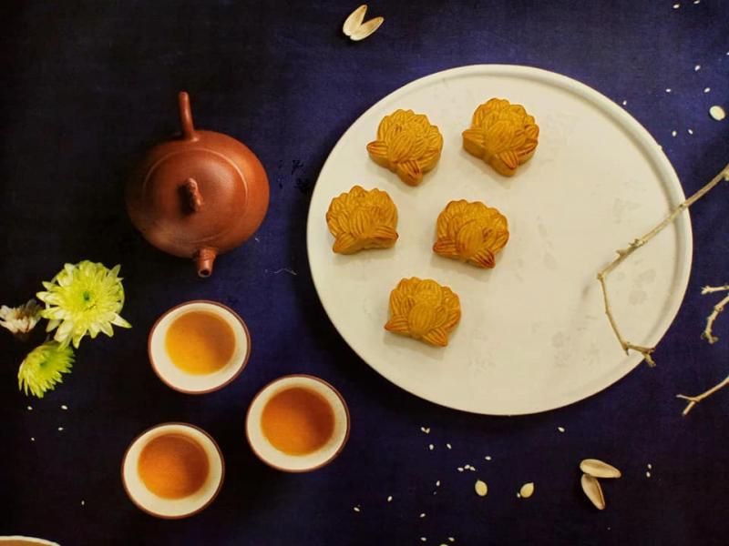 Bánh Trung thu của Tiệm Trà Tiên Hưởng không quá ngọt, phù hợp với nhu cầu của đa số khách hàng, đặc biệt là các khách hàng kiêng ngọt